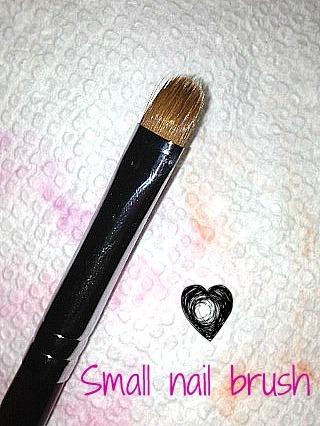 Small_nail_brush_4_16